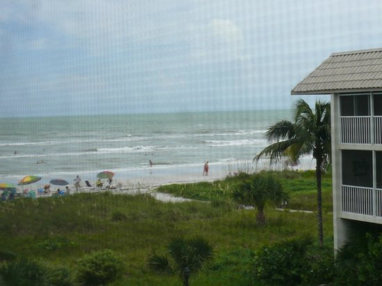 Sanibel Siesta on the Beach: View from the screened in balcony