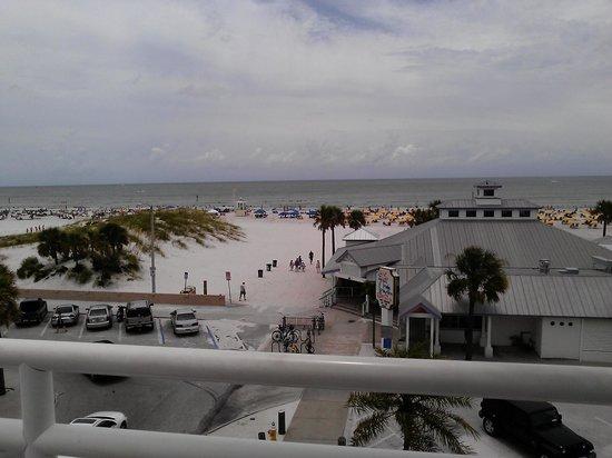 Palm Pavilion Inn : rooftop view
