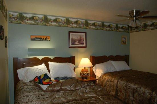 High Desert Lodge : room