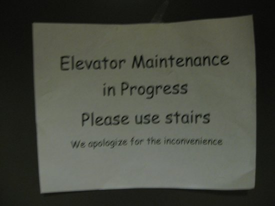 Microtel Inn & Suites by Wyndham Council Bluffs: lack of elevator