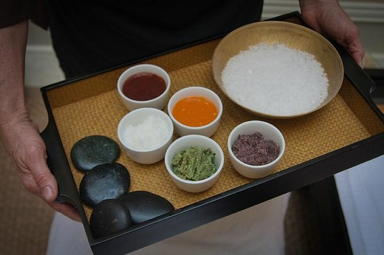 Waterstone Spa : Salts and sugars used in body scrubs
