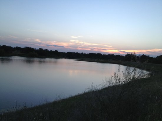 Pecan Creek Cottage and Lodge: Sunset on Pecan Creek Ranch