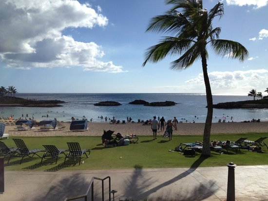 Marriott Ko Olina Beach Club: View from main grounds looking at lagoon