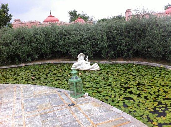 Tree of Life Resort & Spa Jaipur: Just before Lobby