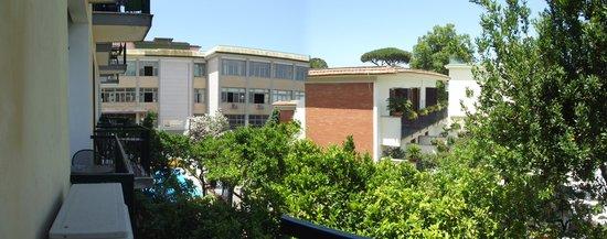 Hotel La Pergola: Balcony view