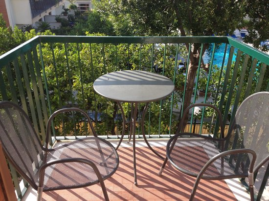 Hotel La Pergola: Balcony of room 109