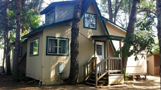 Jellystone RV Park and Camp Resort: A Frame Cabin (back)
