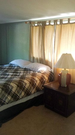 Jellystone RV Park and Camp Resort: Downstairs Bedroom