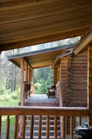 320 Guest Ranch: Front porches of the cabins
