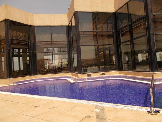 InterContinental Abu Dhabi: Pool