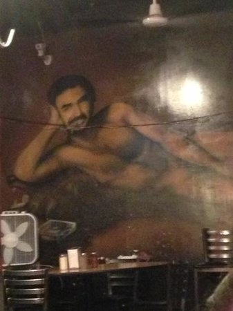 Spinelli's Pizzeria: Great Art Work! lol!!!