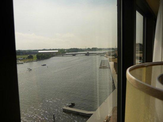 Best Western Premier Waterfront Hotel & Convention Center: River view