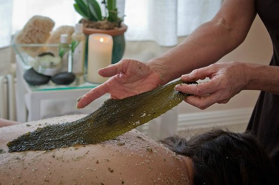 Waterstone Spa: seaweed body wrap