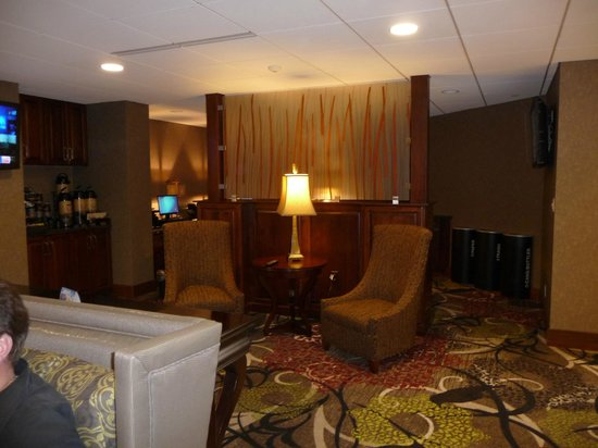 Best Western Premier Waterfront Hotel & Convention Center: Sitting area in Lobby