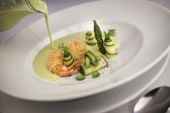 Fish Market: Creamy vegetable soup with prawn