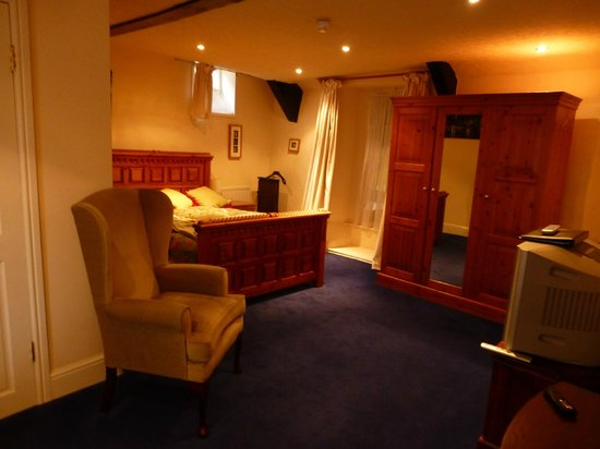 Room 3 - Picture Of The Angel Inn, Long Ashton - Tripadvisor-1616