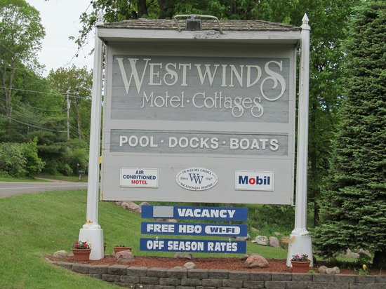 West Winds Motel & Cottages: great place to stay!