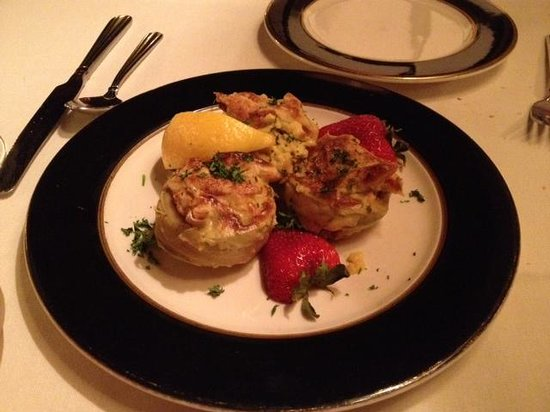 Basil's Restaurant: Artichokes with Crab Meat filling