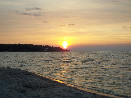 Wilderness State Park: Sunset on the Beach