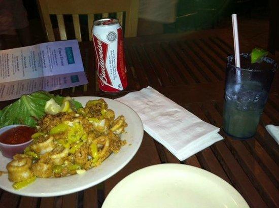 Myst Oceanside Restaurant & Lounge: Calamari and cocktails