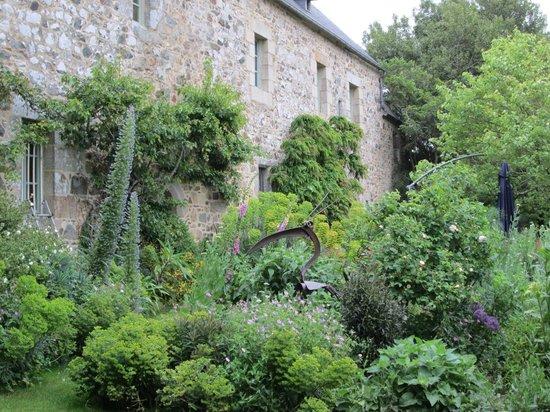 Manoir of Troezel Vras : A lovely garden