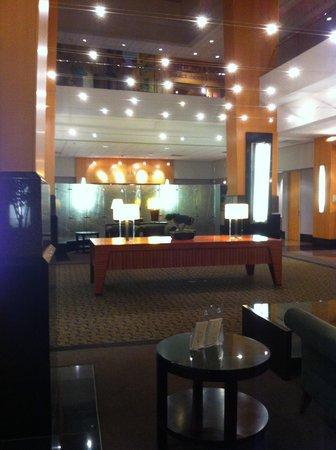 Edward Hotel & Conference Center: Lobby