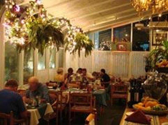 Baci Bistro: Inside the restaurant