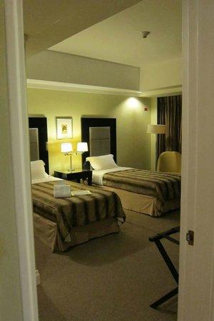 Somerset Millennium Makati: tidy beds