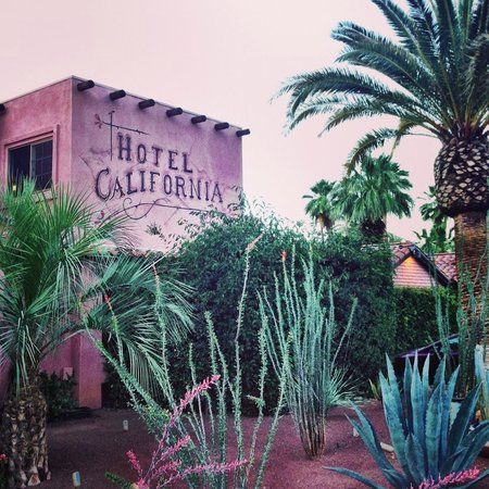 Hotel California: Street view