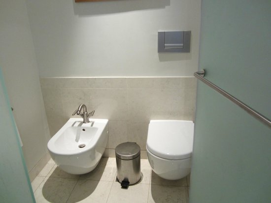 Peachy Toilet And Bidet Picture Of The H Dubai Tripadvisor Gmtry Best Dining Table And Chair Ideas Images Gmtryco