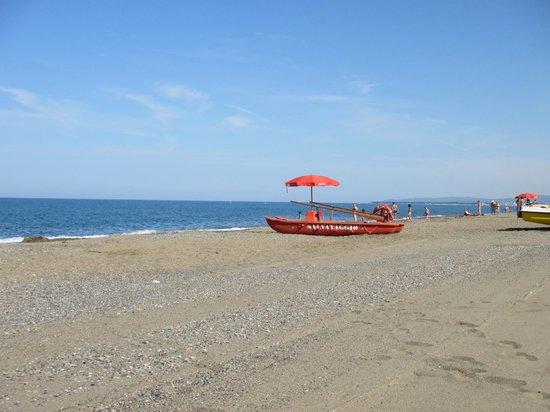 Camping Casa Di Caccia: Spiaggia libera