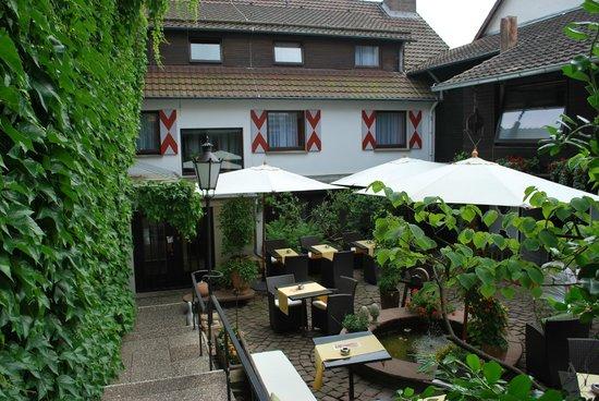 Romantisches Hotel Menzhausen: Biergarten