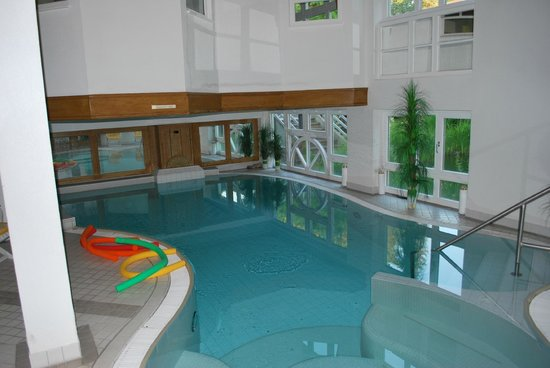 Romantisches Hotel Menzhausen: Indoor-Pool