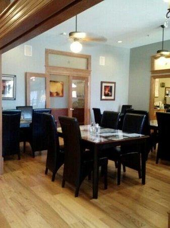The Bradley Boulder Inn: dinning room