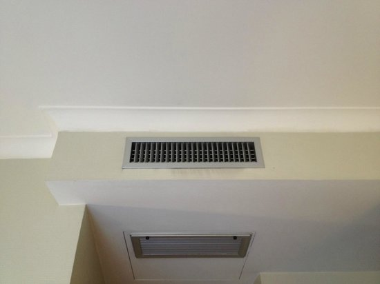 Hotel Executive: yuck around vents