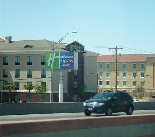 Holiday Inn Express & Suites El Paso Airport Area: Best Hotel in Town!