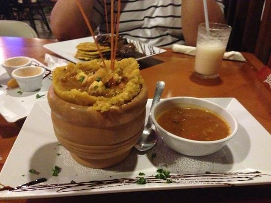 Red Flamboyan Restaurant: Mofongo stuffed with lobster! Delicious!!