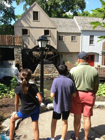 Plimoth Grist Mill: The mill from the outside.