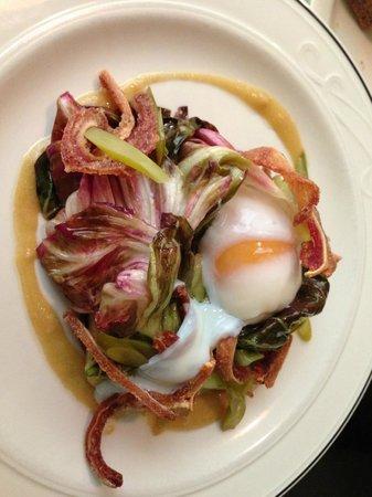 Legume : Radicchio Salad with Poached Egg