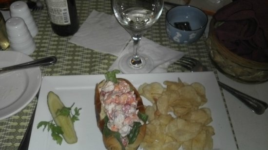 The Courtyard Cafe: Lobster roll.  The chips were local and very good.