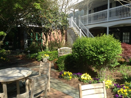 The Bellmoor Inn and Spa: Private Garden