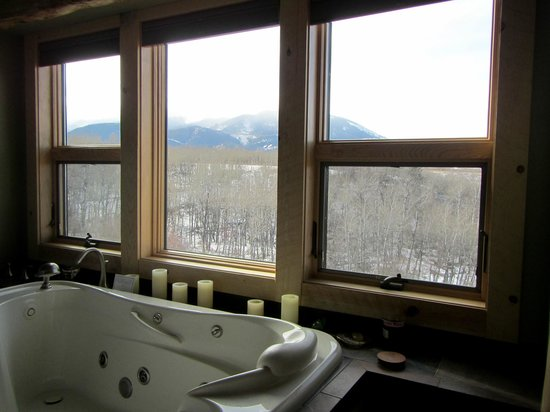 Blue Sky Cabins: View from Sylvan spa