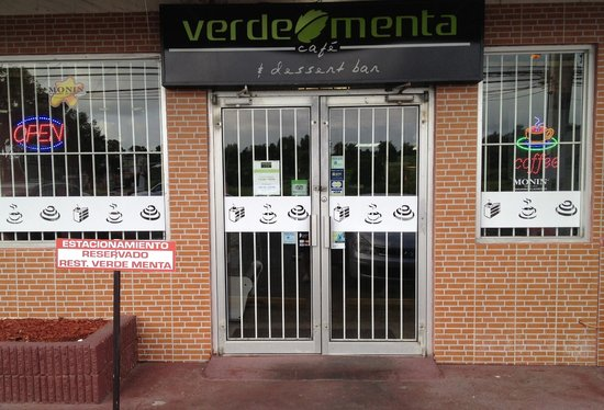 Verde Menta Cafe: Come in! Enjoy a great coffee in our remodeled facilities!