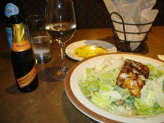 Bertucci's : Salmão grelhado e prosecco