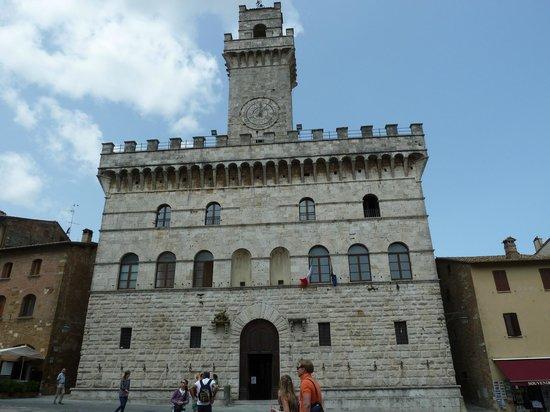 Albergo Duomo: Grand piazza