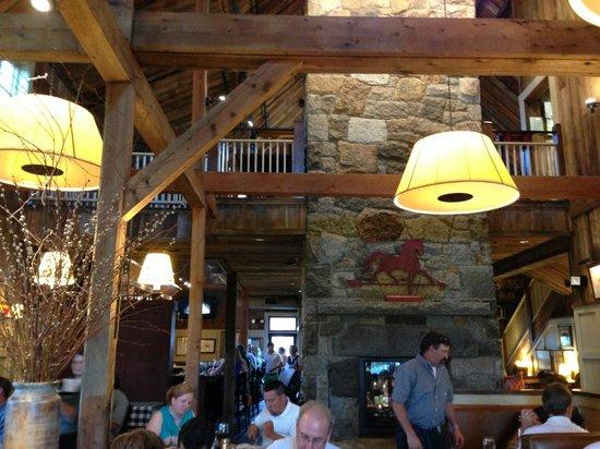 Gibbet Hill Grill: Restaurant Interior