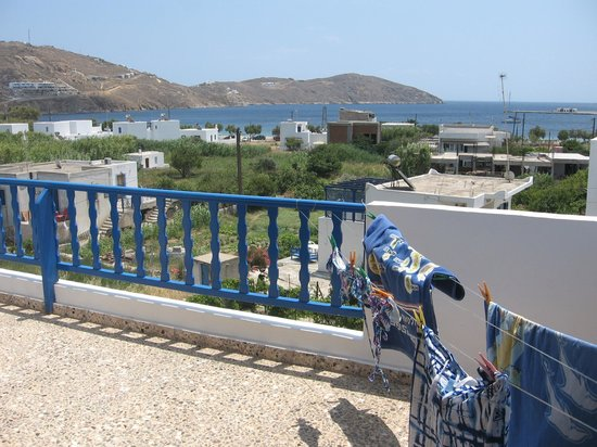 Villa Niki Serifos : View to the left