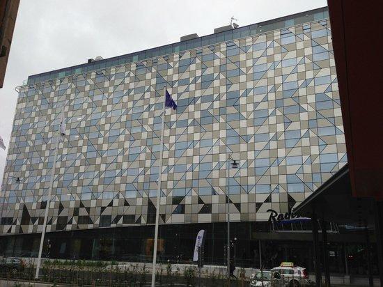 Radisson Blu Riverside Hotel, Gothenburg : University Side of the Hotel/Main Entry