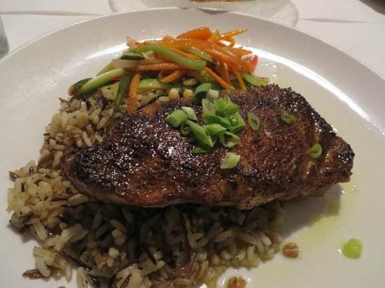Flying Fish Cafe & Wine Bar: Blackened Yellow-Fin Tuna