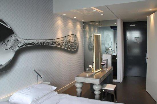 Andaz Amsterdam Prinsengracht: Room 413
